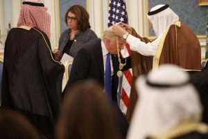 trump-medal